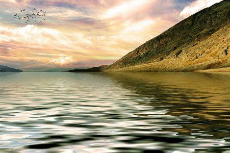 海と山の風景