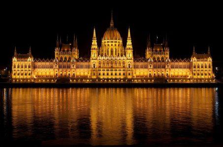 宮殿、夜景