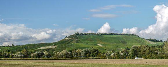 丘、空、雲