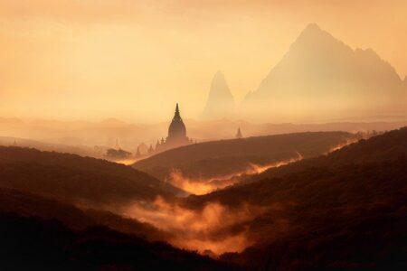 風景、山々、霧